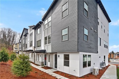 Newcastle Condo/Townhouse For Sale: 6642 135th Ct SE #C-2