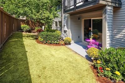 Redmond Condo/Townhouse For Sale: 9805 Avondale Rd NE #N-141