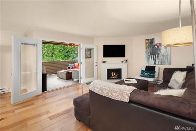 Bellevue Condo/Townhouse For Sale: 10423 NE 32nd Place #E105