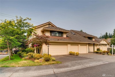 Bellevue Condo/Townhouse For Sale: 1225 140th Place NE