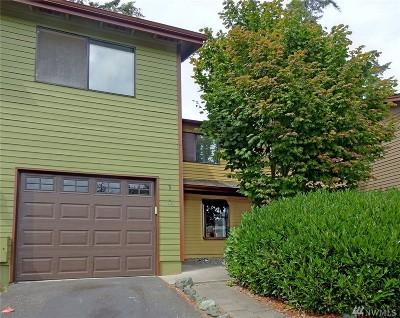 Oak Harbor Condo/Townhouse For Sale: 690 NW Atalanta Wy #B3