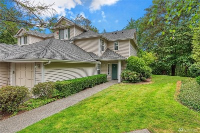Bothell Condo/Townhouse For Sale: 12118 NE 171 Place #E 204