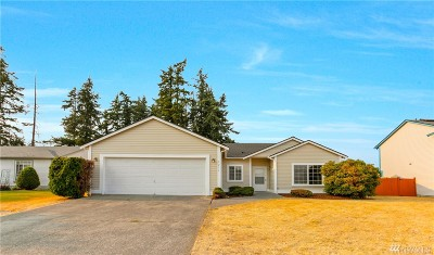 Spanaway Single Family Home For Sale: 1211 196th St Ct E