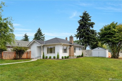 Everett Single Family Home For Sale: 2207 Cleveland Ave