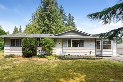 Everett Single Family Home For Sale: 10013 38th Place SE