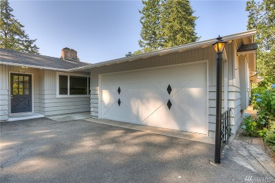 Lakewood Single Family Home For Sale: 8504 Idlewood Dr SW