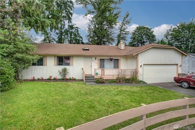 Kenmore Single Family Home For Sale: 5718 NE 204th Place