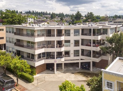 Edmonds Condo/Townhouse For Sale: 518 Bell St #201