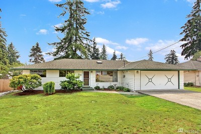 Everett Single Family Home For Sale: 220 77th Place SW
