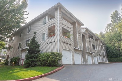 Renton Condo/Townhouse For Sale: 801 Rainier Ave N #E322