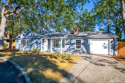 Lakewood Single Family Home For Sale: 9715 Seeley Lake Dr SW