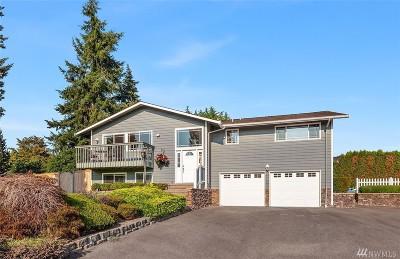 Edmonds Single Family Home For Sale: 727 Caspers St