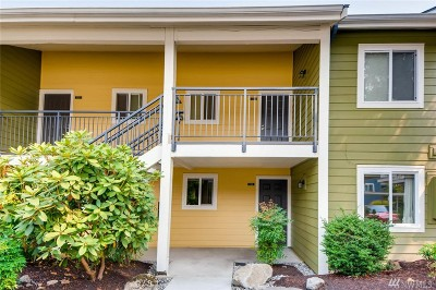 Bellevue Condo/Townhouse For Sale: 12625 SE 41st Place #F102