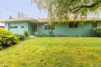 Burlington Single Family Home For Sale: 120 Rainbow Drive