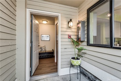 Kirkland Condo/Townhouse For Sale: 402 10th St #F101
