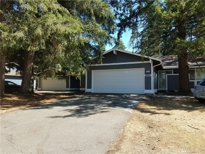 Lacey Multi Family Home For Sale: 8111 N Bicentennial Lp SE