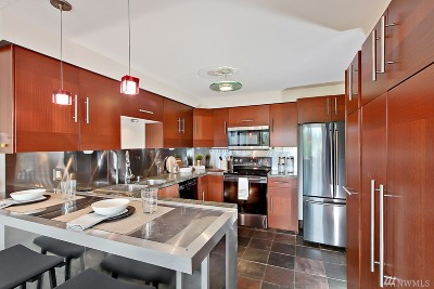 Seattle Condo/Townhouse For Sale: 9024 25th Ave SW #G302