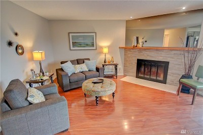 King County Condo/Townhouse For Sale: 9028 25th Ave SW #H202