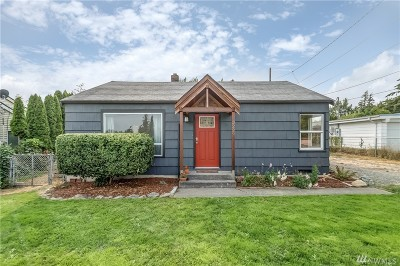 Bellingham Single Family Home For Sale: 3229 Bennett Dr
