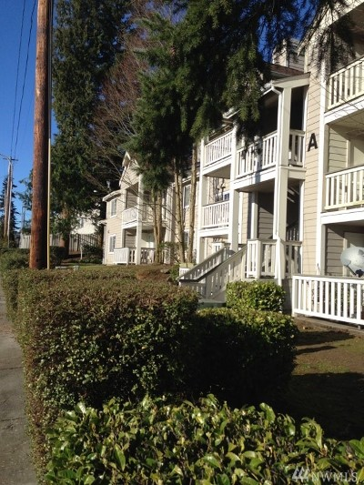 Everett Condo/Townhouse For Sale: 215 100th St SW #A204