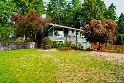 Kirkland Single Family Home For Sale: 6147 120th Place NE