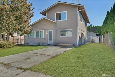 Buckley Single Family Home For Sale: 334 S Division St
