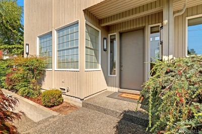 Seattle Single Family Home For Sale: 2524 30th Ave W