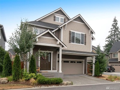 Lynnwood Single Family Home For Sale: 715 207th St SW