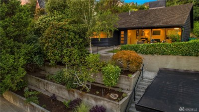 Seattle Single Family Home For Sale: 3626 42nd Ave NE