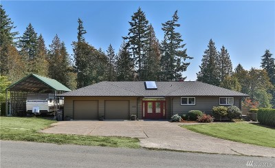 Single Family Home Sold: 7315 79th Ave SE