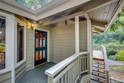 Bainbridge Island Single Family Home For Sale: 15050 Washington Ave NE