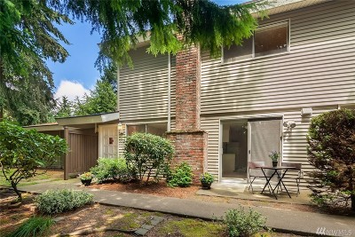 Bothell Condo/Townhouse For Sale: 424 214th St SW #24C