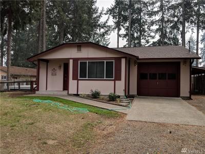 Shelton Single Family Home For Sale: 31 E Lakewood Lane
