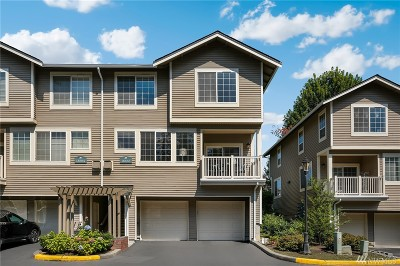 Redmond Condo/Townhouse For Sale: 18666 NE 55th Wy