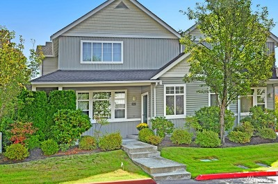 Sammamish Condo/Townhouse For Sale: 946 232nd Place NE