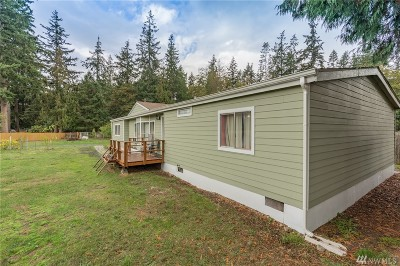 Camano Island Single Family Home For Sale: 945 Ebony Place