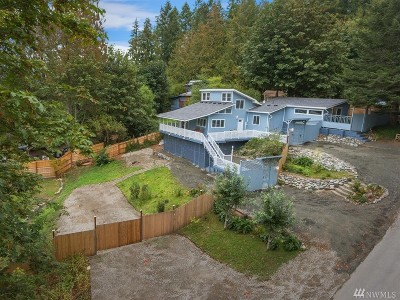 Belfair Single Family Home For Sale: 501 E Olympic View St St