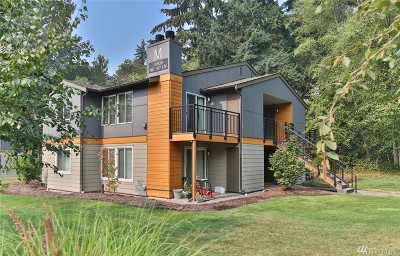 Bothell Condo/Townhouse For Sale: 10809 NE 147th Lane #m201