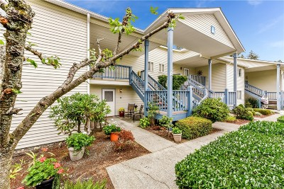 Lynnwood Condo/Townhouse For Sale: 20617 28th Ave W #A1