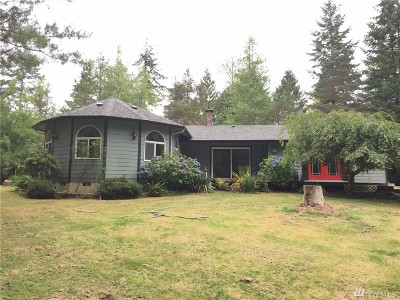 Elma Single Family Home For Sale: 63 Rolling Hills Lane
