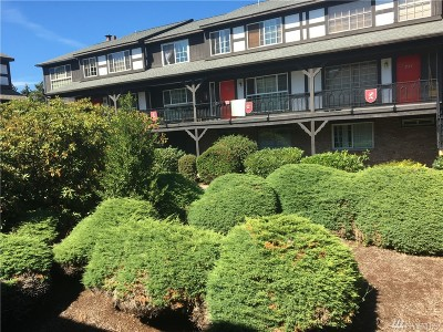 SeaTac Condo/Townhouse For Sale: 3425 S 176th St #238