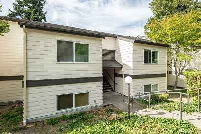 Federal Way Condo/Townhouse For Sale: 31500 33rd Place SW #M204