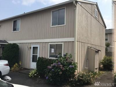 Tacoma Condo/Townhouse For Sale: 10326 15th Av Ct E