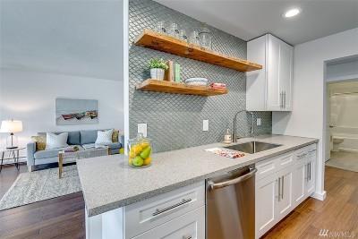 Bremerton Condo/Townhouse For Sale: 525 Lebo Blvd #B2