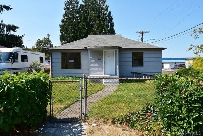 Lakewood Single Family Home For Sale: 8802 34th Ave S