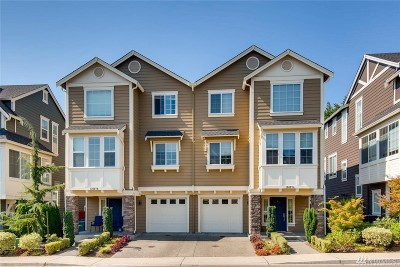 Redmond Condo/Townhouse For Sale: 12627 176th Place NE #A