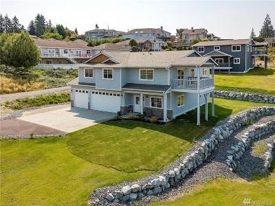 Everett Single Family Home For Sale: 5034 Ocean Ave