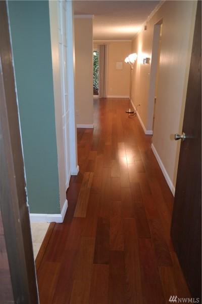 Bellevue Condo/Townhouse For Sale: 14620 NE 31st St #J102