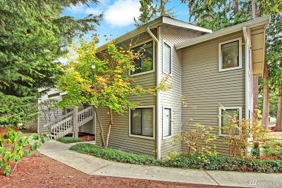 Redmond Condo/Townhouse For Sale: 9009 Avondale Rd NE #S137