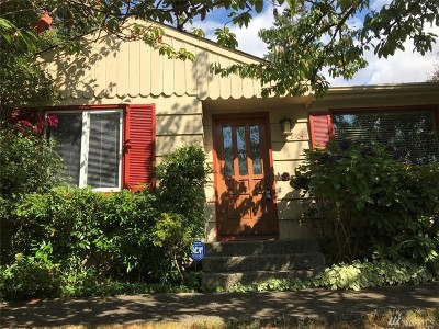 Des Moines Single Family Home For Sale: 27044 12th Ave S